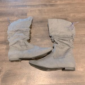 NWT booties-clearance price.
